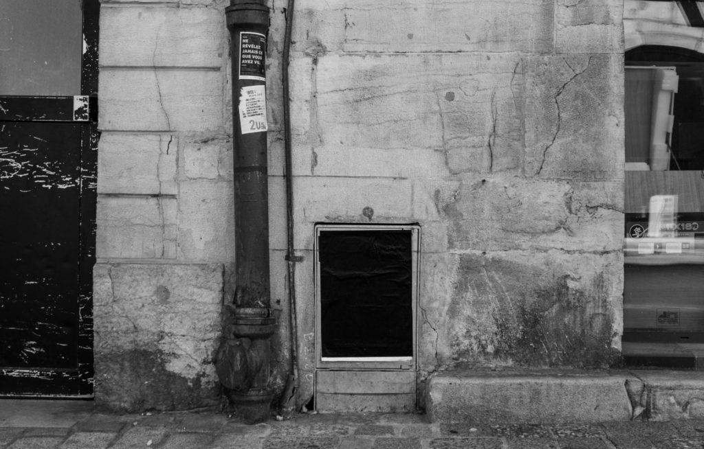 santiago sierra_black posters_LH_002